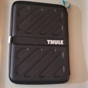 Thule Semi-Ridgid Laptop Bag